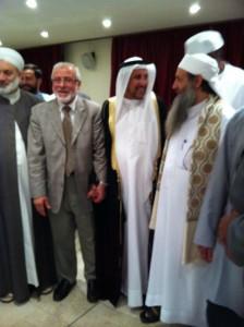 Hand in hand kameraden. Ahmed al-Rawi en dr. Mutlaq tijdens een congres in Koeweit.