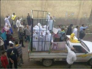 Geen slavinnen in Irak, maar protesterende vrouwen in Egypte.