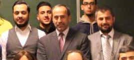 Uitsnede van de groepsfoto na afloop van de trainingsdag in De Middenweg. Nourdin el Ouali (links) naast Hamas-activist Zaher Birawi (midden) en Ibrahim Akkari (rechts), voorman van de Moslimbroeders in Nederland.